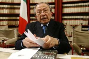 Malore per Andreotti, il senatore a vita ricoverato al Gemelli