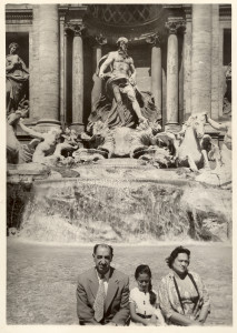 Zaha Hadid with her parents at Trevi Fountain, Rome, Italy. Zaha Hadid Archive.