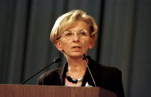29th March 1999 Joint Press Conference with Emma Bonino, European Commissioner and NATO Secretary General, Dr. Javier Solana, concerning the Kosovo refugees.