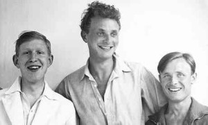 Stephen Spender, centre, with WH Auden (left) and Christopher Isherwood in 1931. Photograph: Stephen Spender Estate/Faber