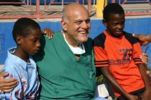 prof-yacoub-with-coh-patients