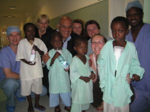 prof-yacoub-with-children-in-mozambique-june-2007-5